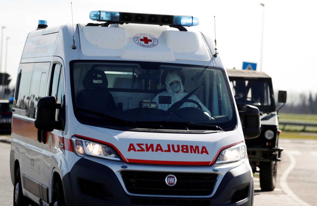 coronavirus_italy_ambulance-scaled
