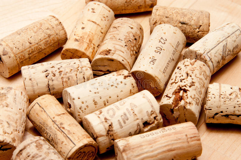 -ενός-μπουκαλιού-κρασιού-26983498.jpg
